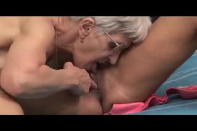 Deux lesbiennes se font jouir-9139