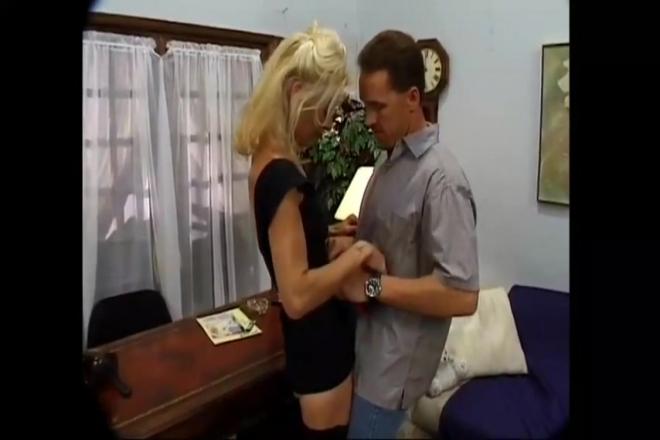 salope francaise blonde entre coquins mobile